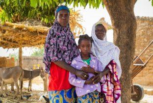 Drie generaties over meisjesbesnijdenis llvy Njiokiktjien