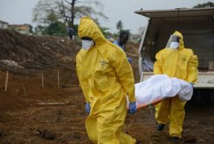 Ebola hoe nu verder1 201502-SLE-116-lpr