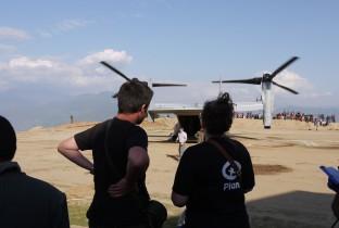 WB Luchtbrug naar buitengebieden Nepal 201504-NPL-262-lpr