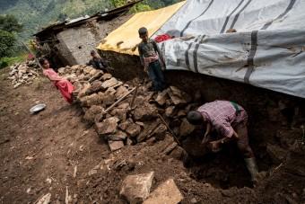 Nepal zes maanden later 201510-NPL-20-lpr