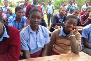 Zimbabwe verhoogt minimumhuwelijksleeftijd 201310-ZWE-05-lpr