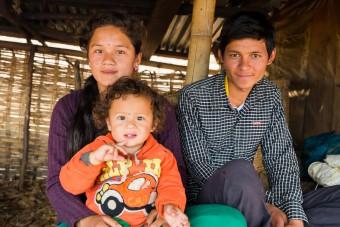 Nepal een jaar later: Maya2 201603-NPL-130-lpr