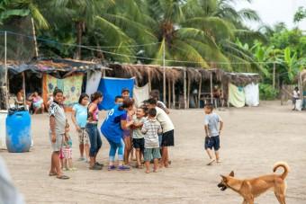 Kindvriendelijke ruimtes helpen kinderen in Ecuador te herstellen na de aardbeving